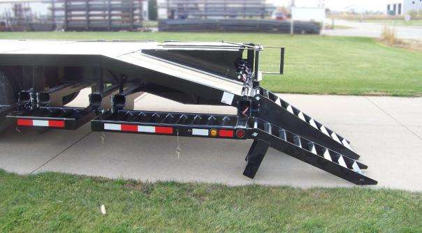 Behnke Semi Sprayer Trailer Side View
