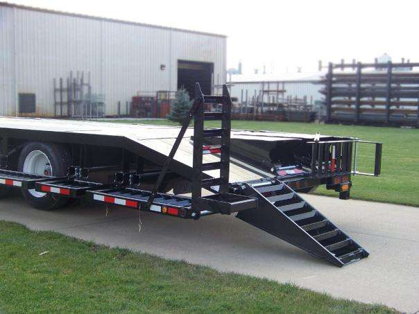 Behnke Semi Sprayer Trailer Rail Ramp Up