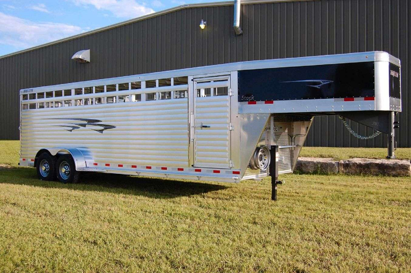 Travalum GN Stock Trailers